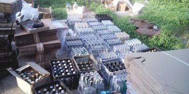 На Прикарпатті припинили діяльність підпільного цеху, що випускав підроблений алкоголь. ФОТО