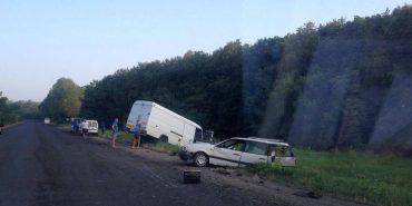 Смертельне зіткнення двох автомобілів на Коломийщині: водій легковика загинув. ФОТО
