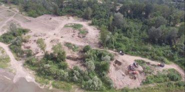 Генерали піщаних кар'єрів: як заробляють на знищенні Пруту та інших річок Прикарпаття