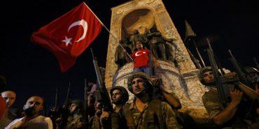 У Туреччині при спробі перевороту загинули 60 осіб