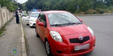 Жінка-водій запропонувала хабар патрульним на Прикарпатті