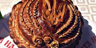 """У Коломиї презентували виставку хлібобулочних виробів у рамках міжнародного фестивалю """"Коломийка"""". ФОТОРЕПОРТАЖ"""
