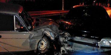 Водій врізався в автівку припарковану біля нічного клубу у Коломиї