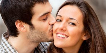 Сьогодні святкують Всесвітній день поцілунків