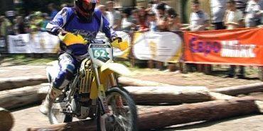 На Прикарпатті відбулися змагання мотоциклістів з екстремального ендуро. ВІДЕО