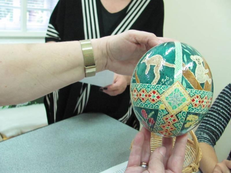 Коломийський музей поповнився писанками з Австралії на страусових, гусячих та курячих яйцях. ФОТО