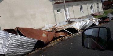 Рогатинщиною пронісся буревій, який розривав дахи будинків. ФОТО
