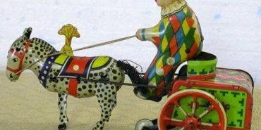 Іграшки, якими гралися діти на Коломийщині півстоліття тому. ФОТОФАКТ