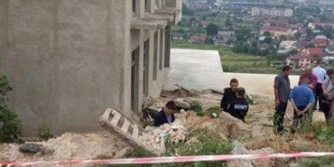 Біля недобудованого готелю на Вовчинецькій горі знайшли тіло молодої жінки. ФОТО