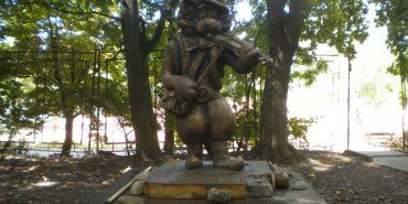 У Коломиї для дітей встановлять скульптуру Котика-Скрипаля за мотивами казки Олега Лобурака. ФОТО