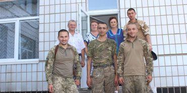 Бійці 10 гірсько-штурмової бригади передали дітям на Схід солодкі подарунки. ФОТО
