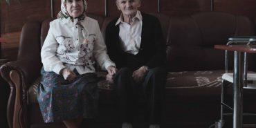 Вік коханню не завада: 88-річний чоловік та 82-річна жінка одружилися після знайомства у центрі соцоблуговування