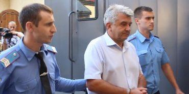 8 років тюрми: сільського голову в Чернівецькій області засудили за отримання $130 тисяч хабара