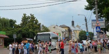 Медики Коломийщини вимагають зарплату хоча б до Дня Незалежності