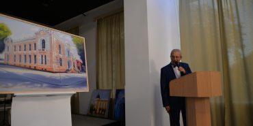 У Коломиї відбувся благодійний аукціон картин, які розмістять у міській раді. ФОТОРЕПОРТАЖ