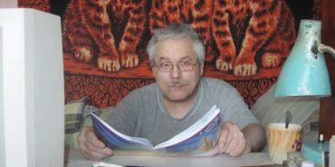 Майстер металевої мініатюри Ярослав Заграновський з Коломиї має колекцію з 65 тисяч прізвищ