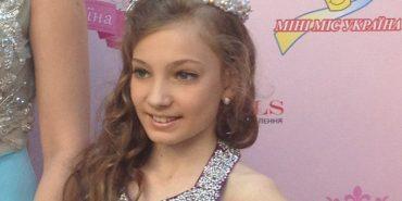Коломийська школярка Анастасія Шпаргала у петиції до влади пропонує облаштувати пункти збору використаних батарейок