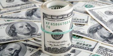 Українцям розповіли, скільки буде коштувати долар восени