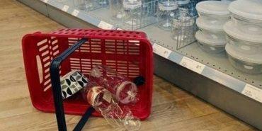За пошкоджений чи розбитий товар у магазині покупець відповідати не повинен