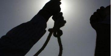 На Коломийщині 43-річний чоловік покінчив з життям на власному подвір'ї