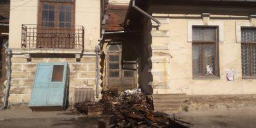 За крок до біди: у Коломиї мало не загорілася архітектурна пам'ятка, яка роками перебуває в аварійному стані
