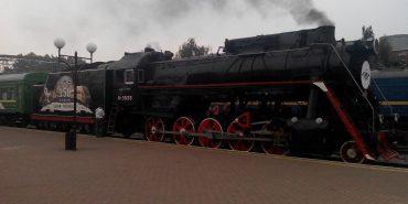 Завтра через Коломию до Львова та Чернівців курсуватиме святковий ретро-потяг