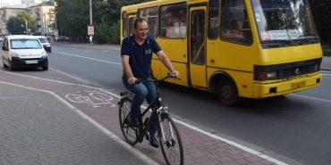 Мер Франківська пересів з авто на велосипед. ФОТО
