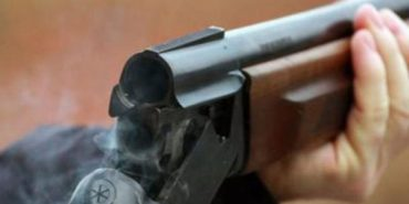 На Прикарпатті чоловік ледь не застрелив з рушниці свою співмешканку