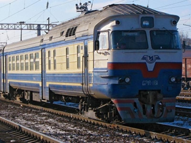 «Укрзалізниця» не відмінятиме з1 жовтня приміські потяги