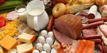 Головний медик Прикарпаття просить ретельно перевіряти якість продуктів і дотримуватися норм гігієни