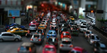 З яких країн краще везти вживані автівки? (інфографіка)