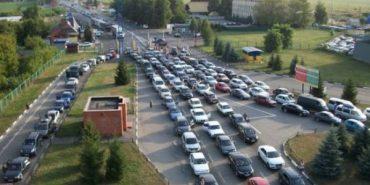 На польському кордоні у чергах — 660 авто
