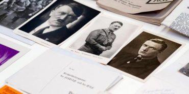 У Польщі знайшли капсулу з фотографіями Гітлера та нацистськими газетами, що ідеально збереглися з 1934 року. ФОТО