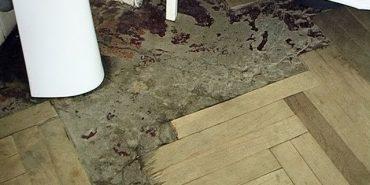 У ЛОР-відділенні Коломийської лікарні старий паркет виділяє токсичні речовини. ВІДЕО