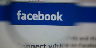 18-річна дівчина подала до суду на батьків за публікацію її дитячих фото у Facebook