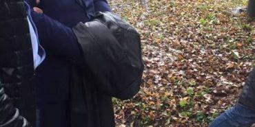Суд залишив під вартою чиновника Жовніра, якого затримали на хабарі за Коломийську паперову фабрику