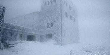 Чорногірський хребет засипало снігом — рятувальники попереджають про небезпеку. ФОТО+ВІДЕО