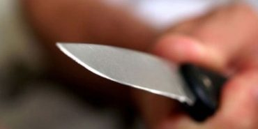 На Прикарпатті учень поранив вчительку ножем