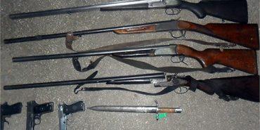 Мешканці Коломийщини добровільно здають зброю у поліцію