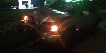 ДТП на Карпатській: водій BMW X5 зніс електроопору. ФОТО
