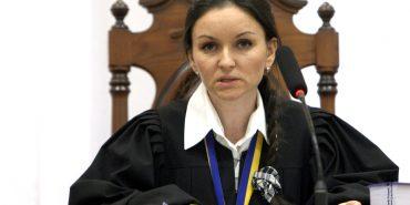 Екс-суддя Царевич з Прикарпаття купила машину за 432 тис. гривень перед звільненням
