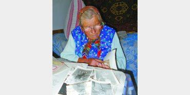85-річна жінка на Прикарпатті досі чекає сина з афганської війни