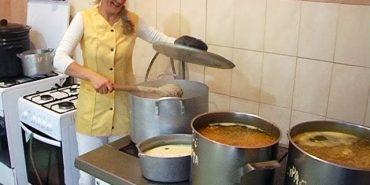"""БФ """"Покуття"""" відремонтував кухню у Коломийському геріатричному будинку, на черзі — складські приміщення та пральня. ВІДЕО"""