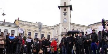 Коломияни штурмували кабінет міського голови. ВІДЕО