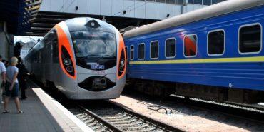 """""""Укрзалізниця"""" планує провести у потягах безперебійний Wi-Fi"""