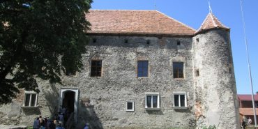 Замок святого Миколая в Чинадійово зберіг справжній дух середньовіччя