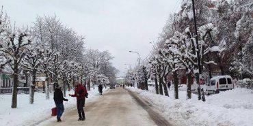 """Як оцінюєте роботу комунальників щодо розчищення снігу? Нове опитування """"Дзеркала"""""""