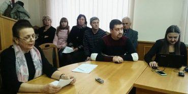 Стоматологи Коломийщини звернулися до обласної ради з проханням припинити масове звільнення фахівців у селах