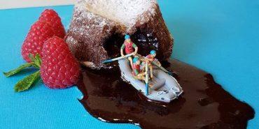 Італійський кондитер перетворює десерти в сцени з життя. ФОТО