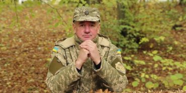 """""""Московити не наші брати"""": Підприємець з Коломийщини, який виготовляє карпатські чаї, у військовому строї заспівав. ВІДЕО"""